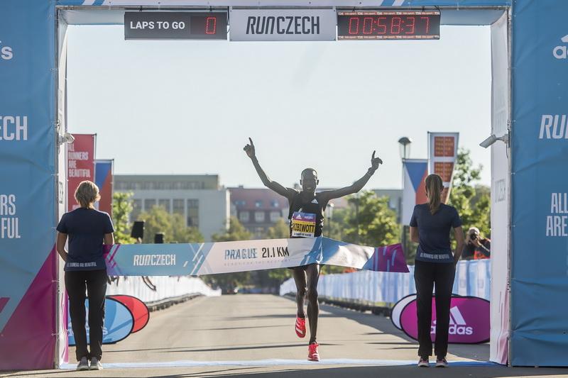 praga polmaraton 2020 7